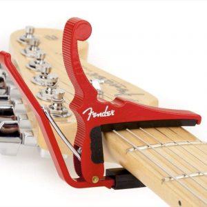 Capodastro para guitarra Fender (rojo)