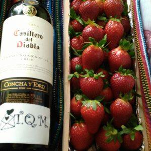 Canasta de Vino y Fresas