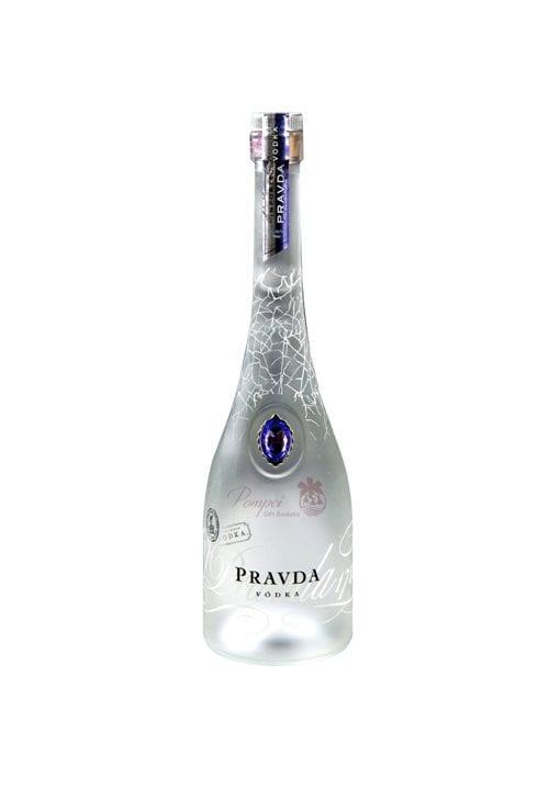 Botella de Vodka Polaco Pravda Original